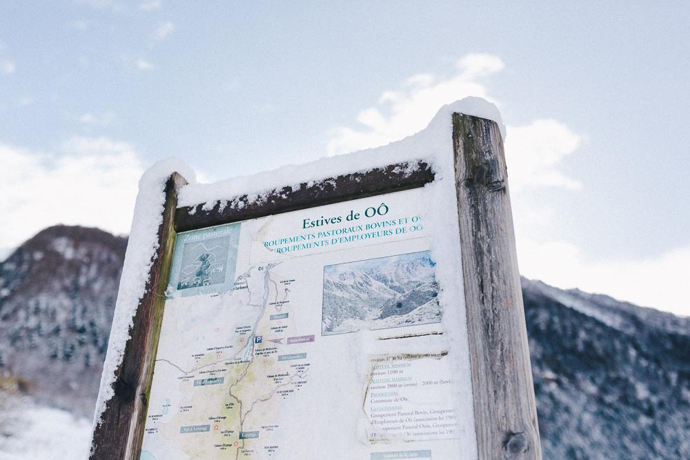 balade-dans-la-neige-et-lac-d-oo-luchon-montagne-france-rose-fushia-photographie-55