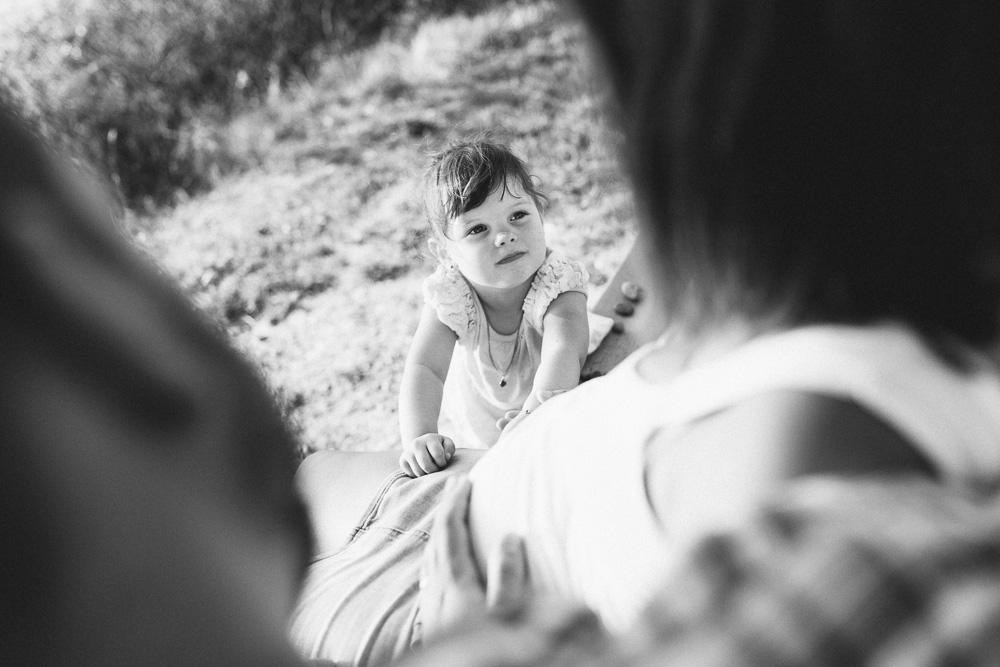 seance-grossesse-anais-et-loic-toulouse-rose-fushia-photographie-15
