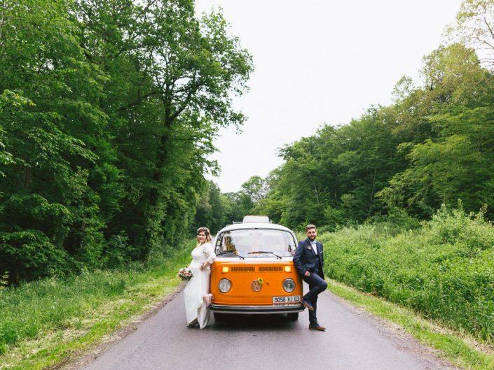 Mariage coloré en combi VW / Cindy & Gaylord