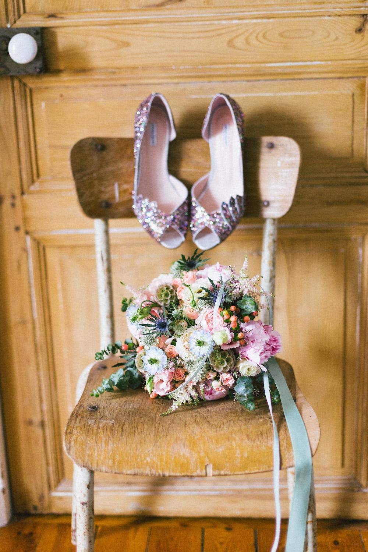 un-mariage-colore-en-combi-vw-a-salledes-rose-fushia-photographie133