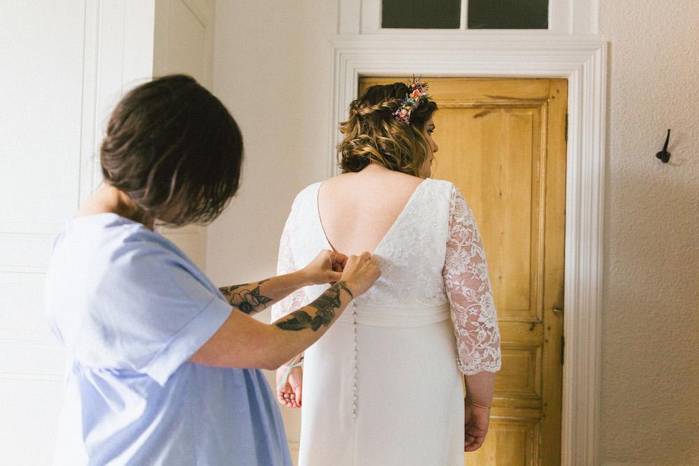un-mariage-colore-en-combi-vw-a-salledes-rose-fushia-photographie155
