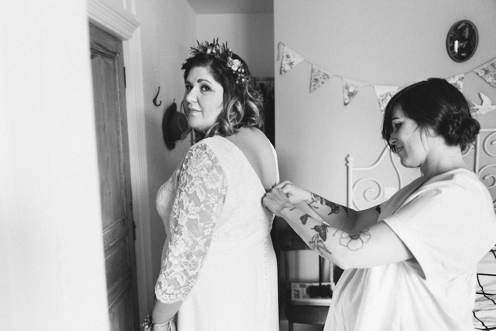 un-mariage-colore-en-combi-vw-a-salledes-rose-fushia-photographie157