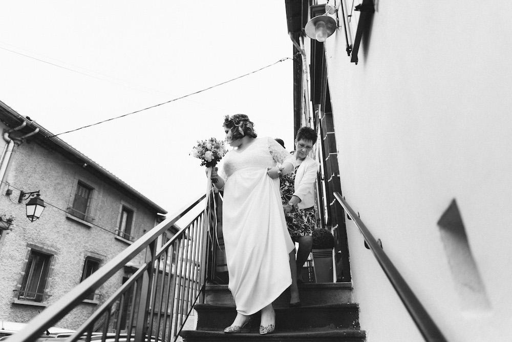un-mariage-colore-en-combi-vw-a-salledes-rose-fushia-photographie171