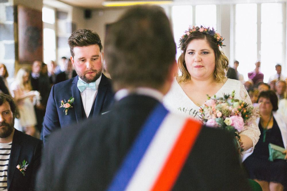 un-mariage-colore-en-combi-vw-a-salledes-rose-fushia-photographie203