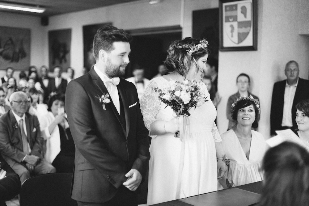 un-mariage-colore-en-combi-vw-a-salledes-rose-fushia-photographie207