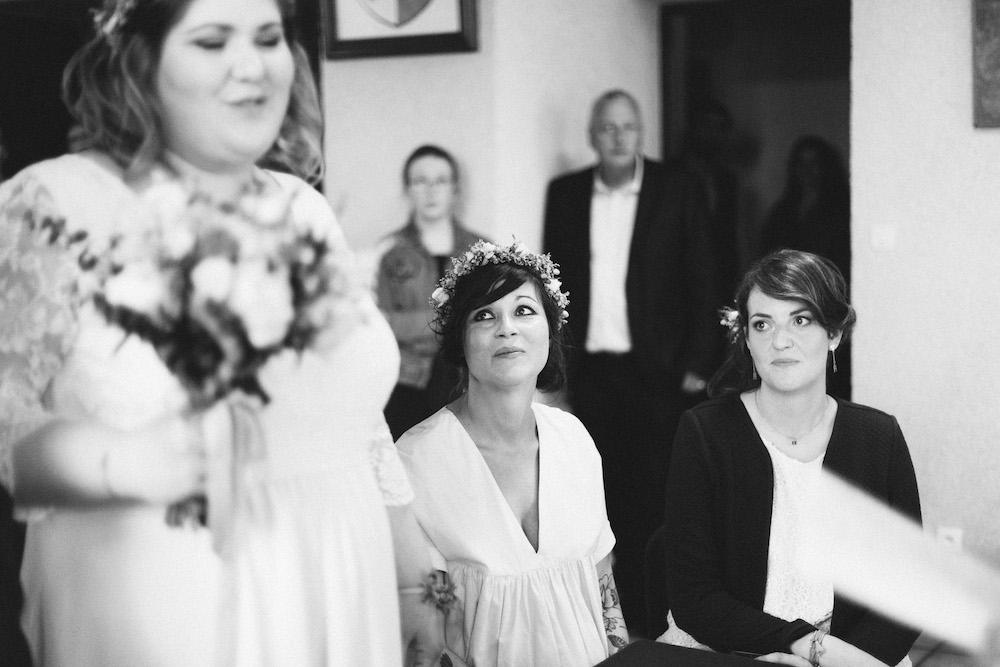 un-mariage-colore-en-combi-vw-a-salledes-rose-fushia-photographie208