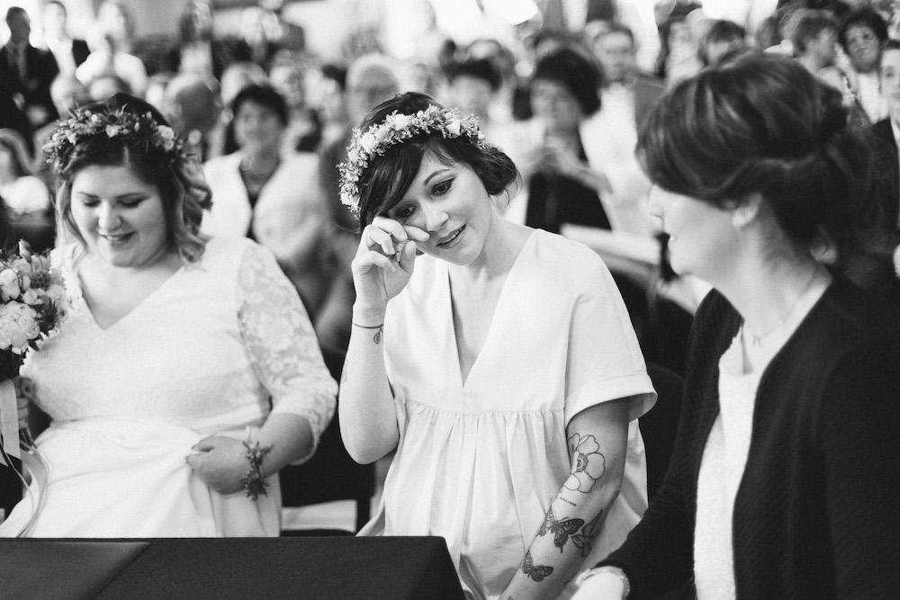 un-mariage-colore-en-combi-vw-a-salledes-rose-fushia-photographie211