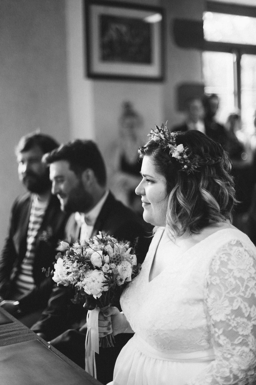 un-mariage-colore-en-combi-vw-a-salledes-rose-fushia-photographie213