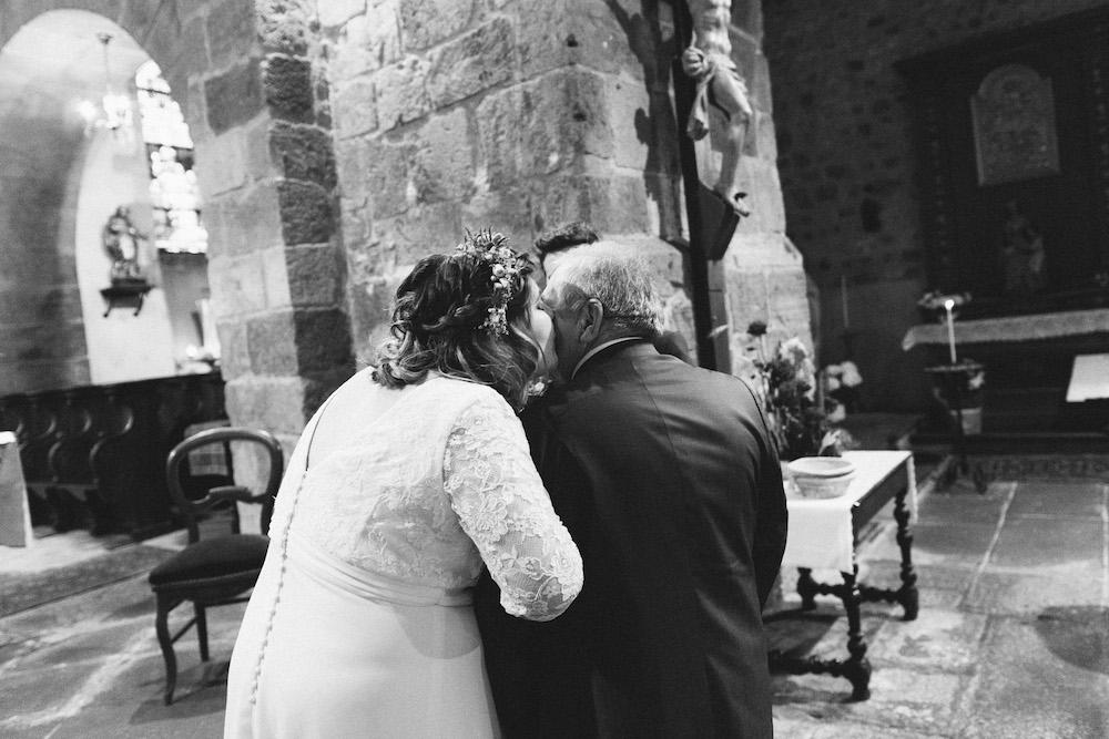 un-mariage-colore-en-combi-vw-a-salledes-rose-fushia-photographie260