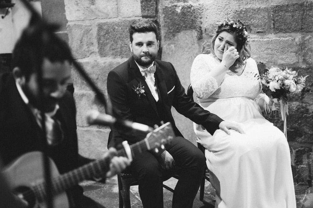 un-mariage-colore-en-combi-vw-a-salledes-rose-fushia-photographie295