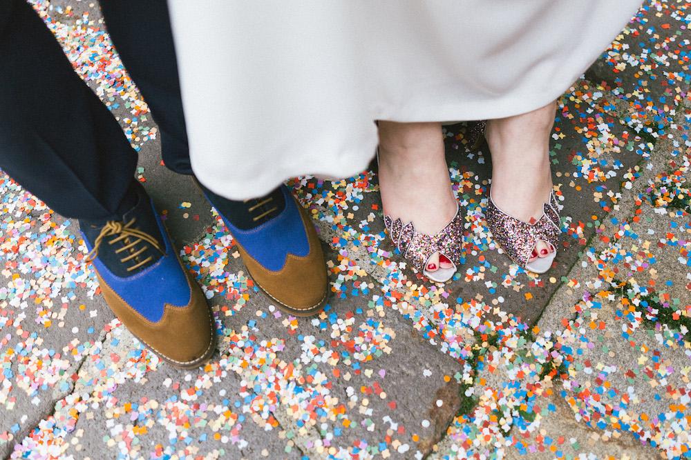 un-mariage-colore-en-combi-vw-a-salledes-rose-fushia-photographie336