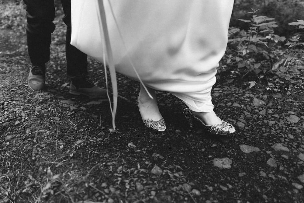 un-mariage-colore-en-combi-vw-a-salledes-rose-fushia-photographie361