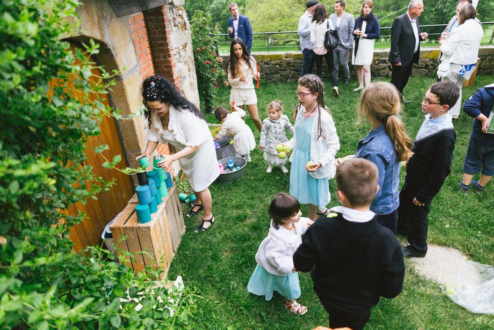un-mariage-colore-en-combi-vw-a-salledes-rose-fushia-photographie437
