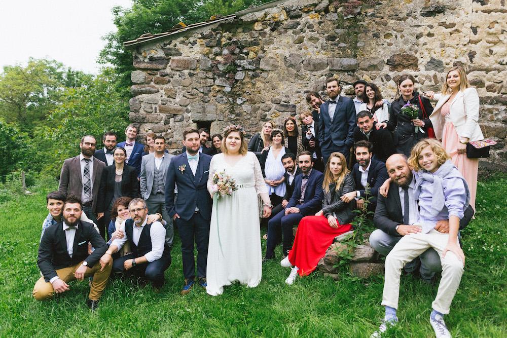 un-mariage-colore-en-combi-vw-a-salledes-rose-fushia-photographie452