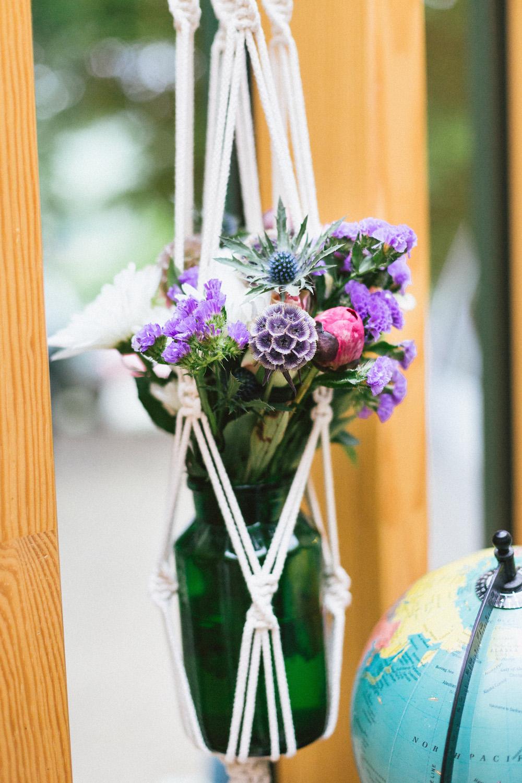 un-mariage-colore-en-combi-vw-a-salledes-rose-fushia-photographie470