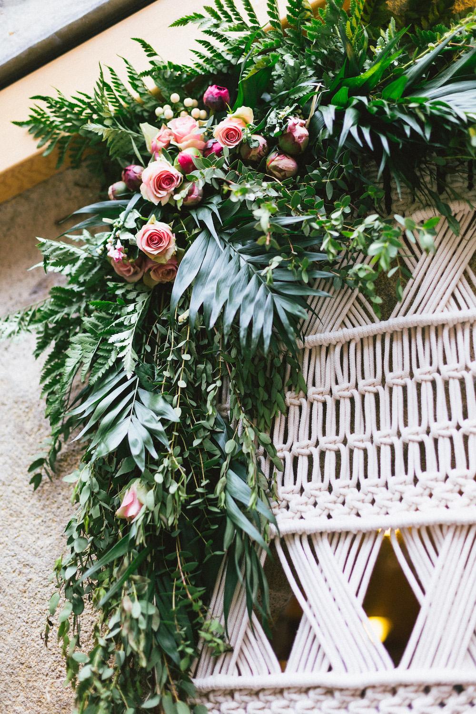 un-mariage-colore-en-combi-vw-a-salledes-rose-fushia-photographie471