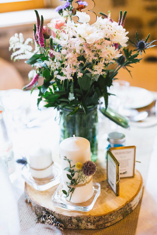 un-mariage-colore-en-combi-vw-a-salledes-rose-fushia-photographie492