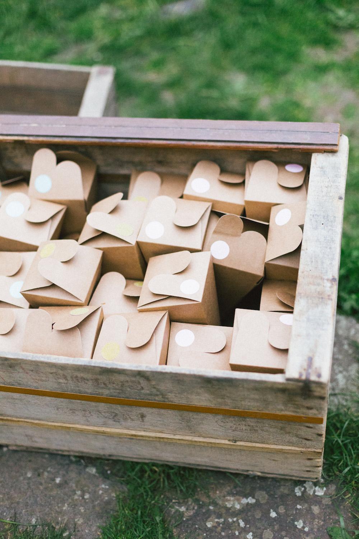 un-mariage-colore-en-combi-vw-a-salledes-rose-fushia-photographie495