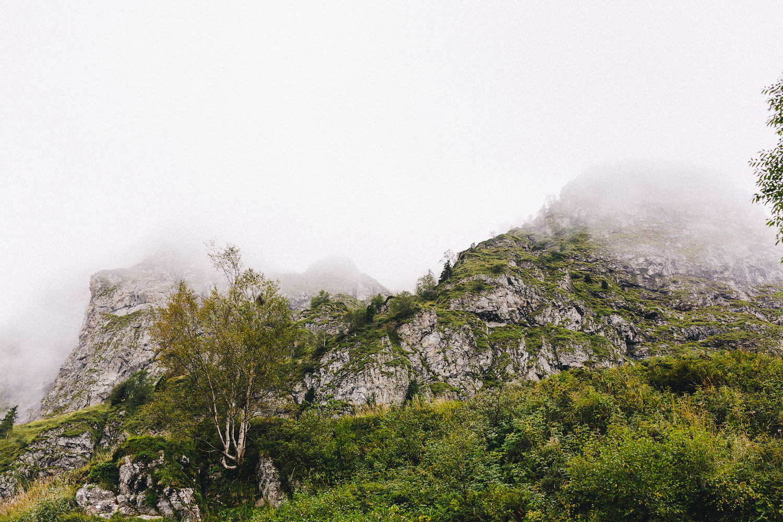 randonnee-au-lac-d-ayes-pyrenees-ariegeoises-rose-fushia-photographie038