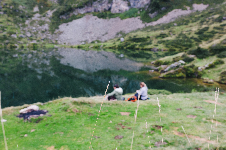 randonnee-au-lac-d-ayes-pyrenees-ariegeoises-rose-fushia-photographie092
