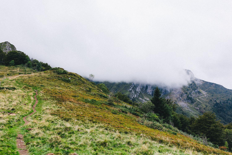 randonnee-au-lac-d-ayes-pyrenees-ariegeoises-rose-fushia-photographie152