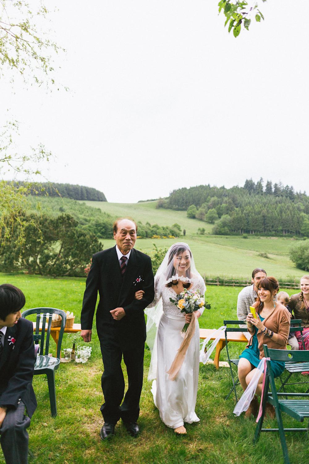 mariage-intime-franco-japonais-yoori-et-nico-beaujolais-rose-fushia-photographie023