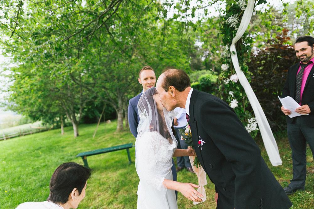 mariage-intime-franco-japonais-yoori-et-nico-beaujolais-rose-fushia-photographie025