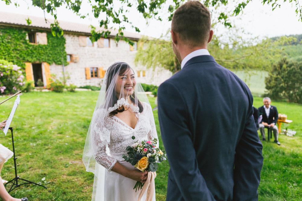 mariage-intime-franco-japonais-yoori-et-nico-beaujolais-rose-fushia-photographie026