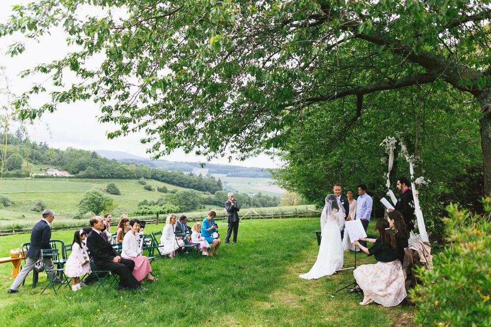 mariage-intime-franco-japonais-yoori-et-nico-beaujolais-rose-fushia-photographie028