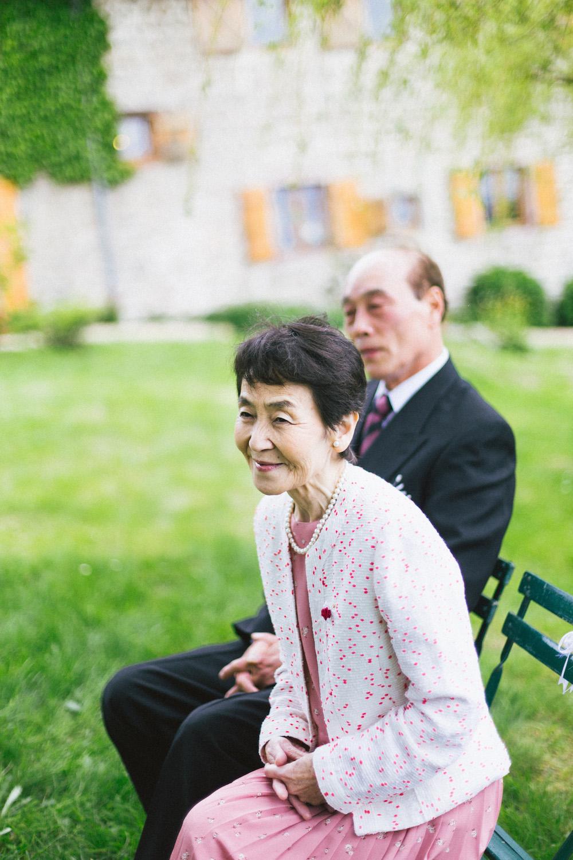 mariage-intime-franco-japonais-yoori-et-nico-beaujolais-rose-fushia-photographie030