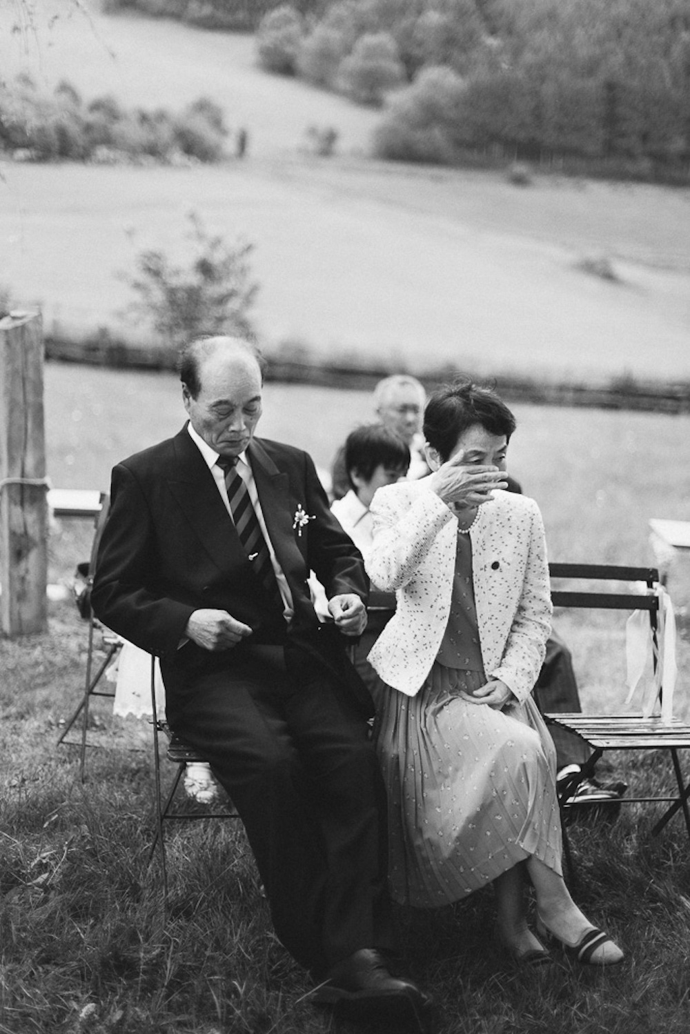 mariage-intime-franco-japonais-yoori-et-nico-beaujolais-rose-fushia-photographie045