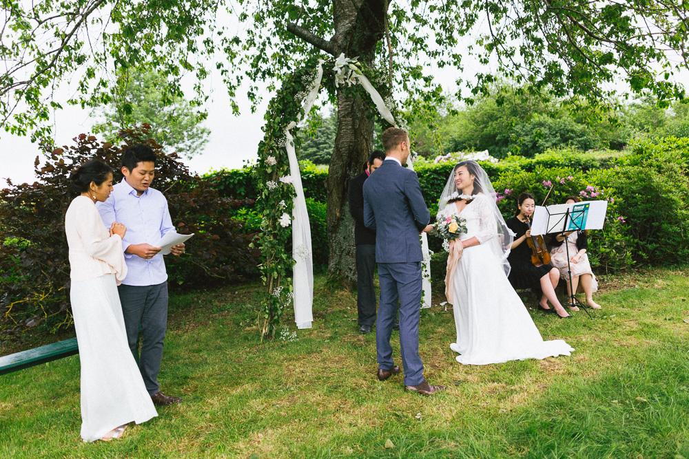 mariage-intime-franco-japonais-yoori-et-nico-beaujolais-rose-fushia-photographie057