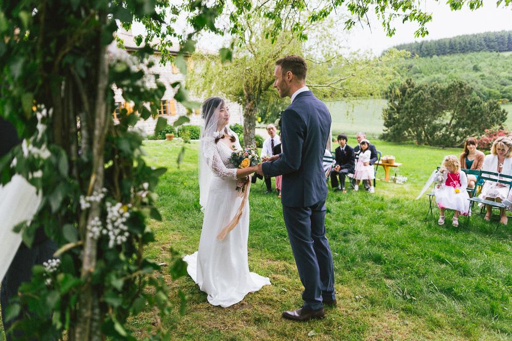 mariage-intime-franco-japonais-yoori-et-nico-beaujolais-rose-fushia-photographie066