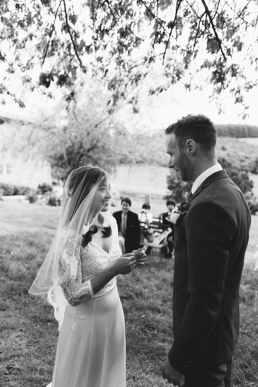 mariage-intime-franco-japonais-yoori-et-nico-beaujolais-rose-fushia-photographie068