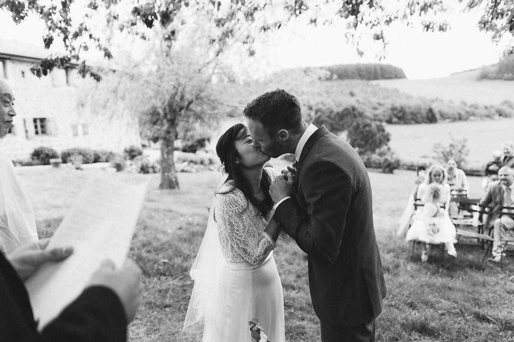 mariage-intime-franco-japonais-yoori-et-nico-beaujolais-rose-fushia-photographie070