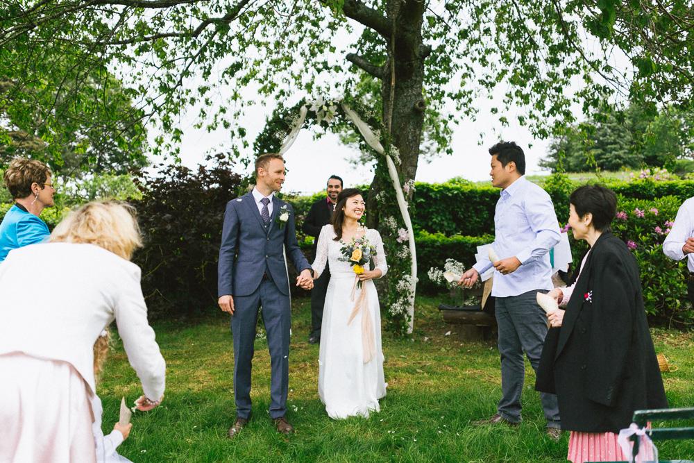 mariage-intime-franco-japonais-yoori-et-nico-beaujolais-rose-fushia-photographie074