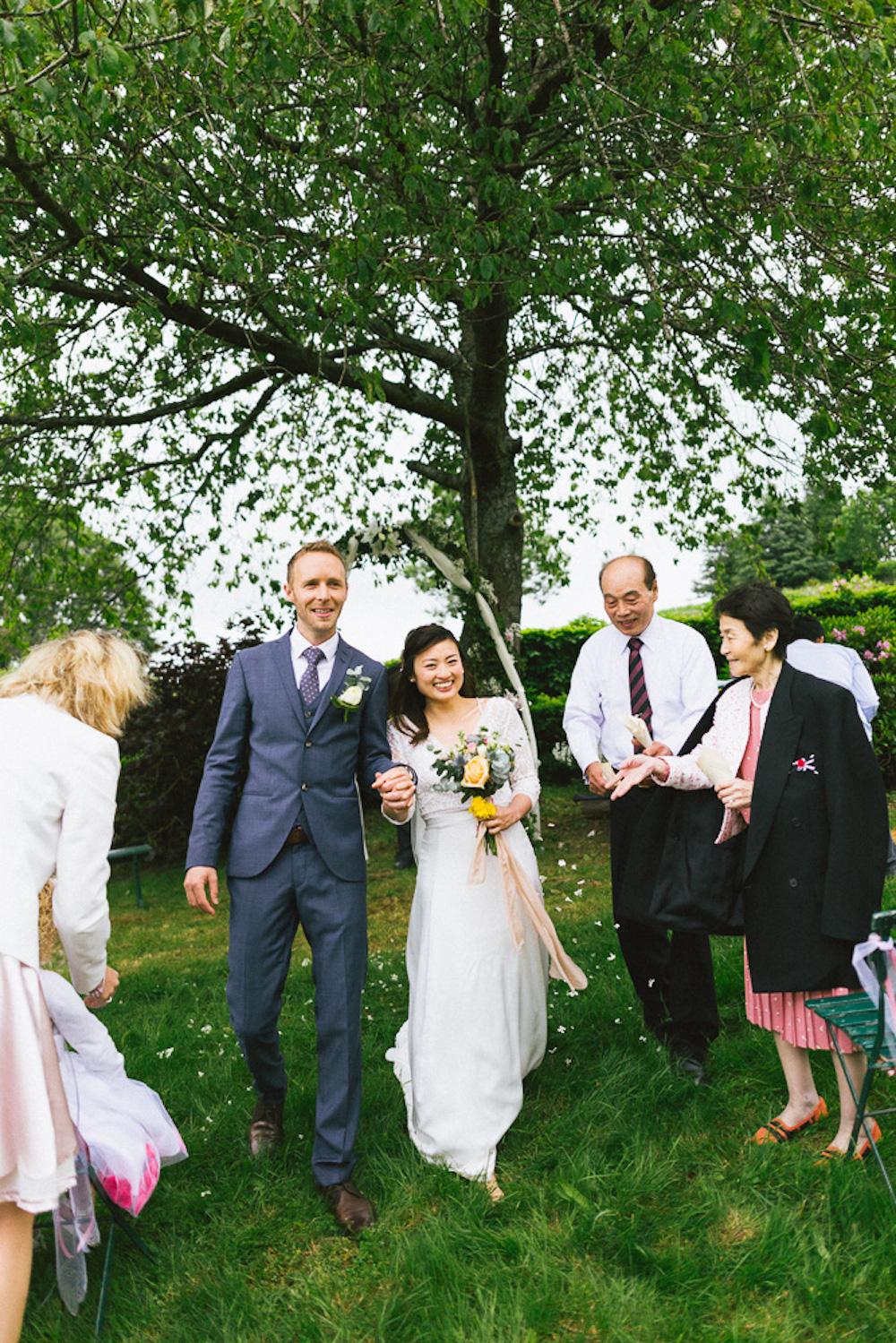 mariage-intime-franco-japonais-yoori-et-nico-beaujolais-rose-fushia-photographie075