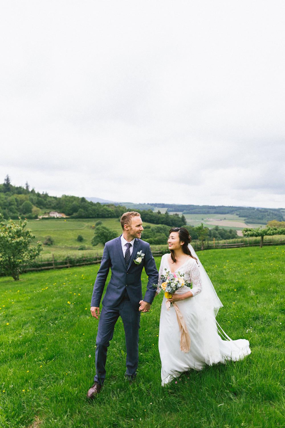 mariage-intime-franco-japonais-yoori-et-nico-beaujolais-rose-fushia-photographie078