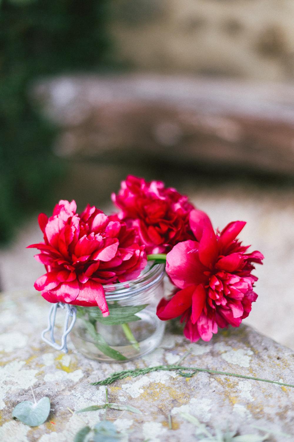 mariage-intime-franco-japonais-yoori-et-nico-beaujolais-rose-fushia-photographie083