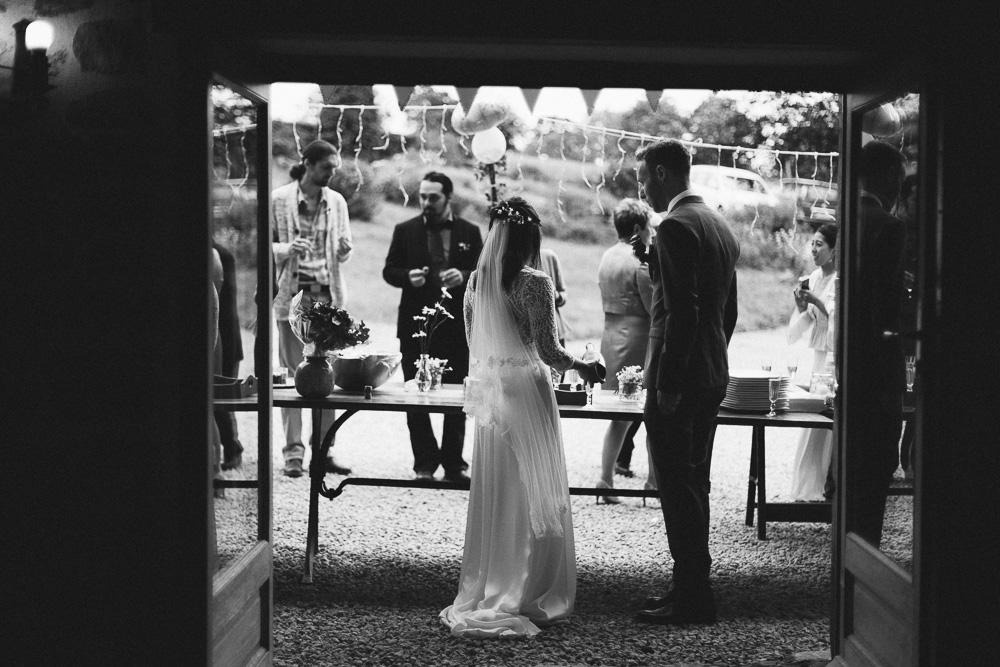 mariage-intime-franco-japonais-yoori-et-nico-beaujolais-rose-fushia-photographie084