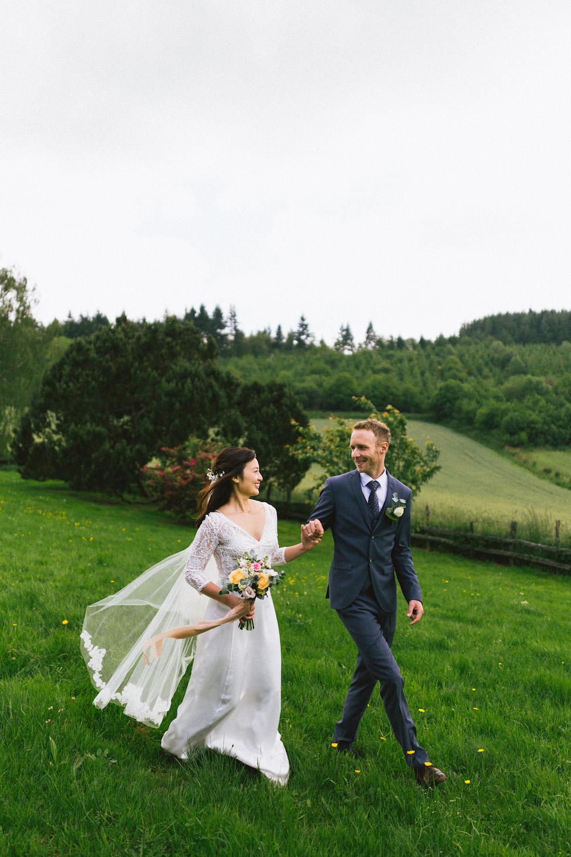 mariage-intime-franco-japonais-yoori-et-nico-beaujolais-rose-fushia-photographie088