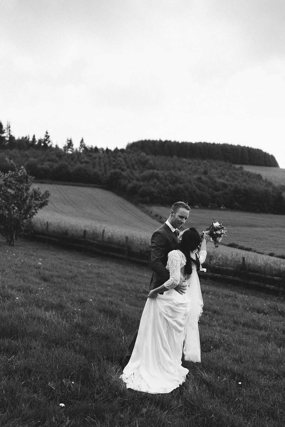 mariage-intime-franco-japonais-yoori-et-nico-beaujolais-rose-fushia-photographie090