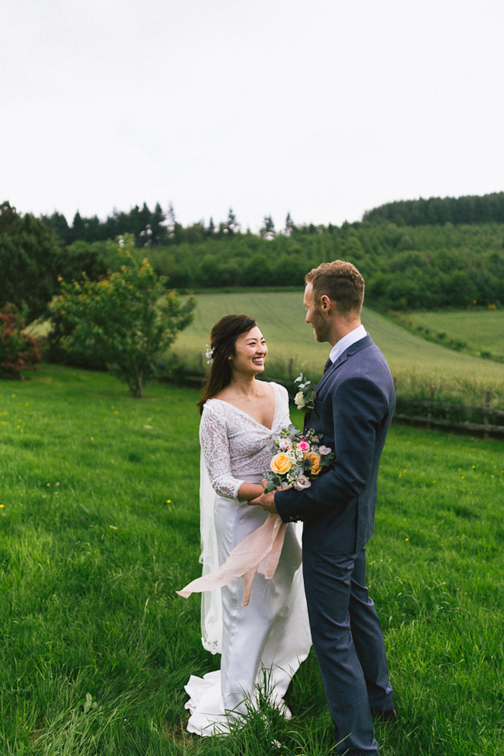 mariage-intime-franco-japonais-yoori-et-nico-beaujolais-rose-fushia-photographie091