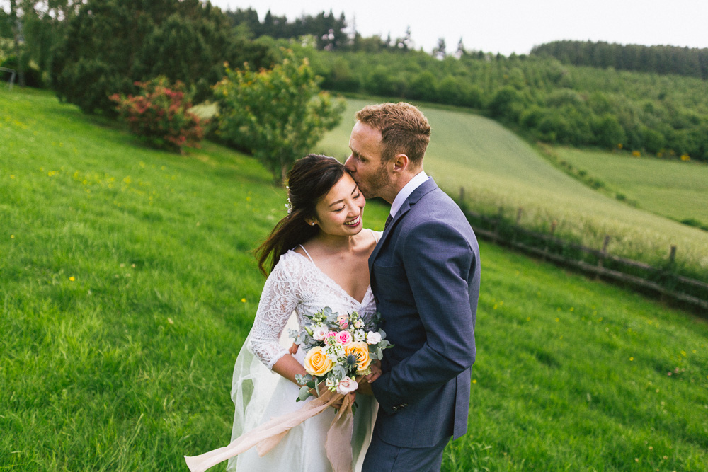 mariage-intime-franco-japonais-yoori-et-nico-beaujolais-rose-fushia-photographie096