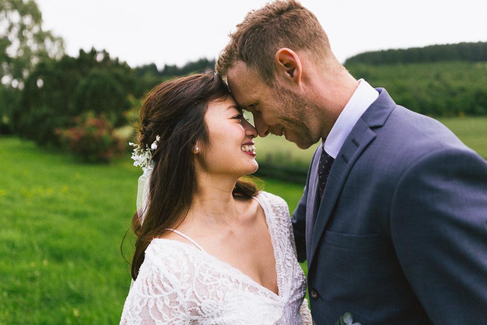 mariage-intime-franco-japonais-yoori-et-nico-beaujolais-rose-fushia-photographie098