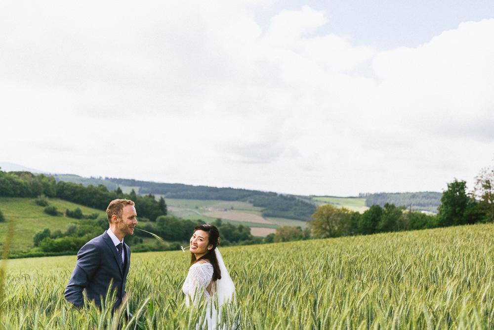mariage-intime-franco-japonais-yoori-et-nico-beaujolais-rose-fushia-photographie101