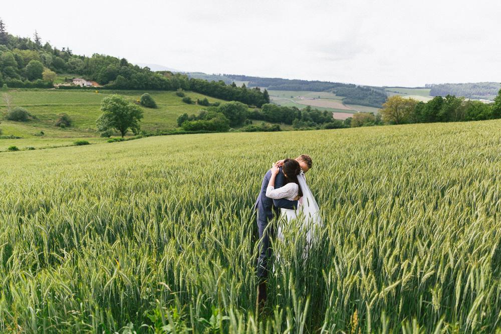 mariage-intime-franco-japonais-yoori-et-nico-beaujolais-rose-fushia-photographie103