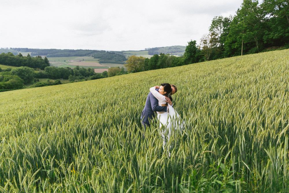 mariage-intime-franco-japonais-yoori-et-nico-beaujolais-rose-fushia-photographie104