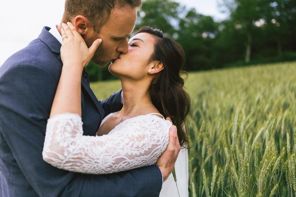 mariage-intime-franco-japonais-yoori-et-nico-beaujolais-rose-fushia-photographie107