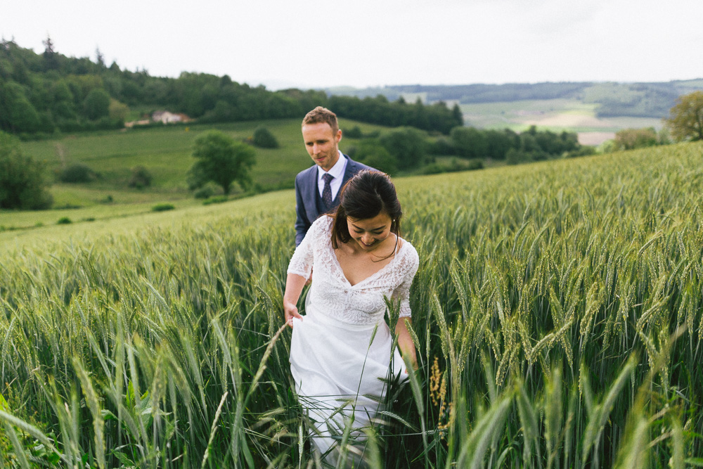 mariage-intime-franco-japonais-yoori-et-nico-beaujolais-rose-fushia-photographie110